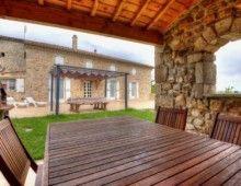 Gîte La Terrasse - Salon et abri de jardin